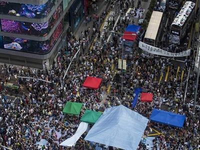 Người biểu tình chiếm khu du lịch sầm uất nhất Hong Kong
