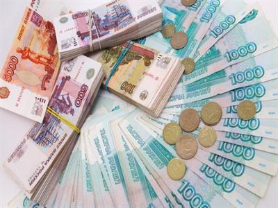 Ruble rơi xuống đáy khi Nga tính kiểm soát dòng vốn