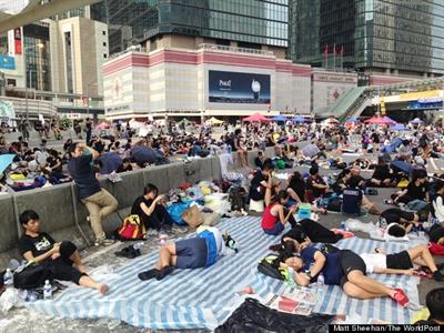 Hong Kong kiệt sức vì biểu tình