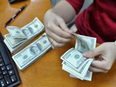 Tỷ giá ngân hàng tiếp tục tăng vọt