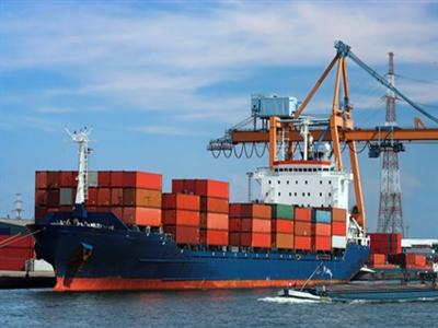 Mỹ: Thâm hụt thương mại tháng 8 xuống thấp nhất 7 tháng