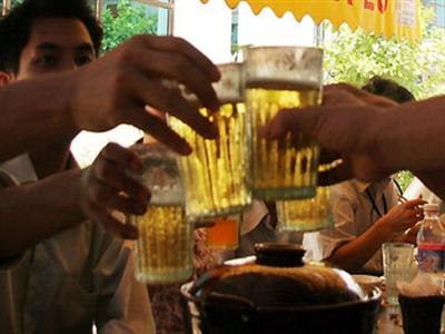 Quán bia không được nóng quá 30 độ, nhân viên phải đeo găng