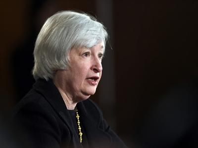Fed lo ngại về tăng trưởng kinh tế toàn cầu và đồng đôla tăng giá