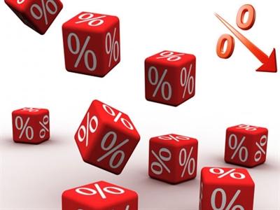 Các ngân hàng đồng loạt hạ tỷ giá, lãi suất