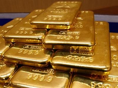 Giá vàng lên cao nhất 2 tuần khi chứng khoán lao dốc