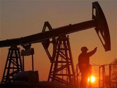 Giá dầu tăng nhẹ sau đợt bán tháo đầu phiên