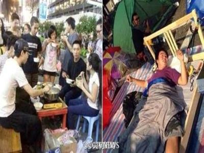 Hong Kong: Người biểu tình chơi bóng bàn giữa đường phố
