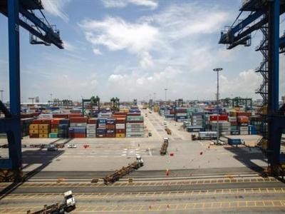 Xuất khẩu Trung Quốc tháng 9 tăng vượt ước tính