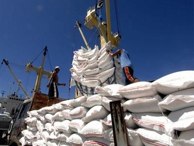 Xuất khẩu gạo 8 tháng: Thái Lan vượt xa Việt Nam