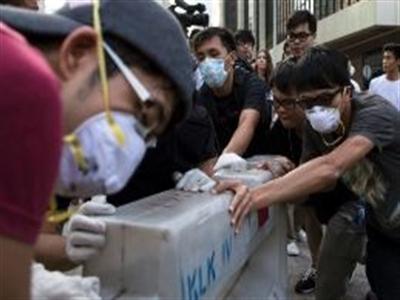 Biểu tình dậy sóng, chính quyền Hong Kong lại đề nghị đàm phán