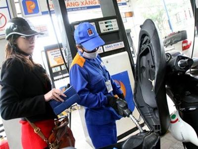 Phí hoa hồng tăng, xăng dầu lại có cớ tăng giá