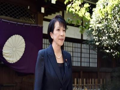 Bộ trưởng Nhật viếng đền Yasukuni, tàu Trung Quốc trả đũa