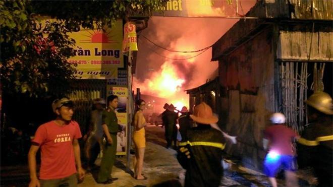 Hà Nội: Cháy lớn tại khu Nam Trung Yên, gần tòa nhà Keangnam