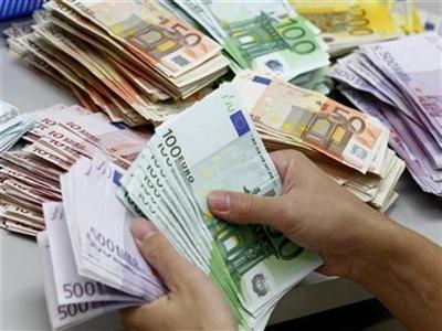 Euro giảm giá, Eurozone mắc kẹt với giảm phát