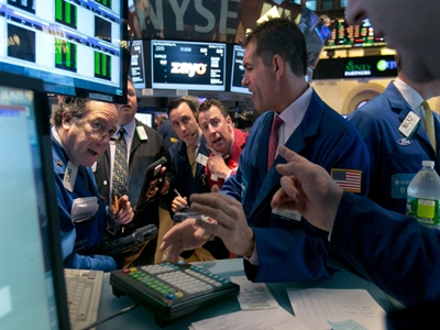 S&P 500 tăng mạnh nhất 1 năm