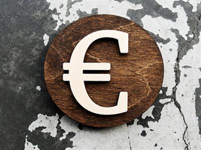 Euro lên giá sau số liệu PMI tăng vượt kỳ vọng