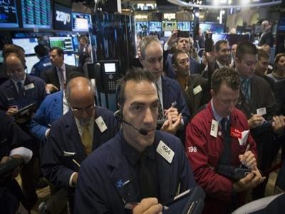 Chứng khoán Mỹ quay đầu giảm khi giá dầu phá đáy