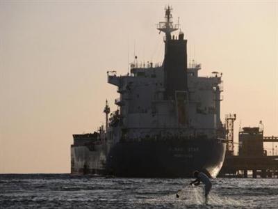 Nguồn cung dầu Arab Saudi tháng 9 giảm dù sản lượng tăng