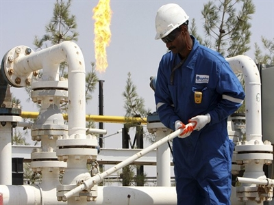 Giá dầu Brent tăng mạnh nhất 4 tháng, dầu WTI hồi phục