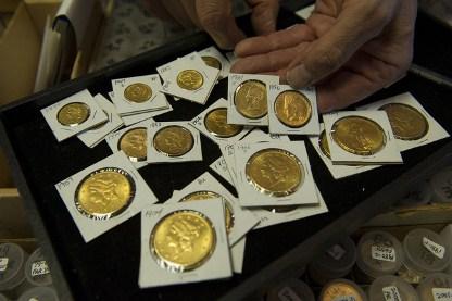 Lượng vàng xu US Mint bán ra tăng tháng thứ 2 liên tiếp