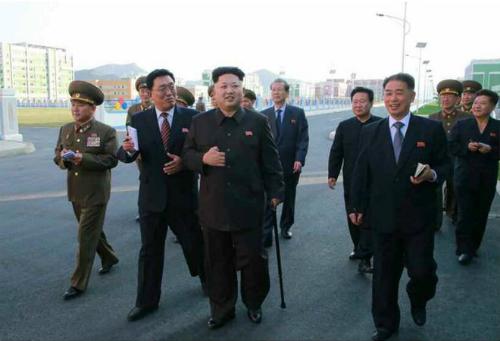 Kim Jong-un đã cắt khối u cổ chân