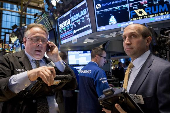 Chứng khoán Mỹ khởi sắc trước thềm họp Fed