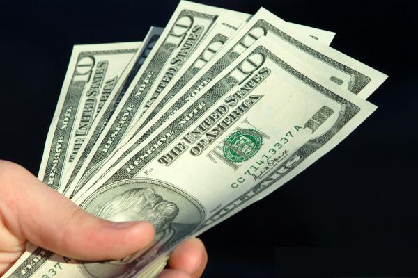 USD tiếp tục giảm trước số liệu kinh tế yếu ớt