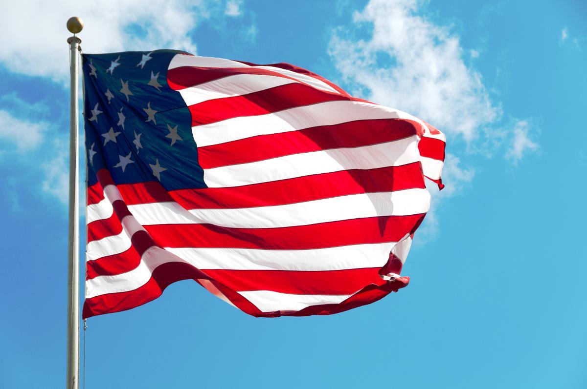 Kinh tế Mỹ tăng trưởng vượt dự báo quý III