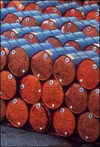 Giá dầu Brent xuống dưới 87 USD/thùng khi USD mạnh lên, nguồn cung tiếp tục tăng