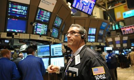 S&P 500 và Dow Jones cùng lập đỉnh mới sau quyết sách của BOJ