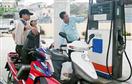"""Không thể """"buông"""" việc định giá xăng dầu"""