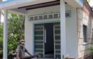 Xây nhà bằng gáo dừa