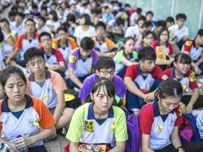 Sinh viên biểu tình ở Hong Kong tìm cách đàm phán với Bắc Kinh