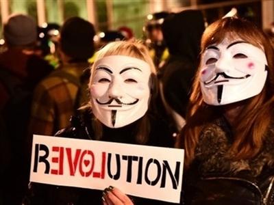 Biểu tình mặt nạ Guy Fawkes làm tê liệt trung tâm London