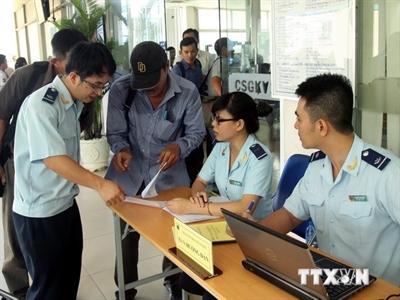 Bộ Tài chính yêu cầu xử lý ngay các vướng mắc thuế, hải quan