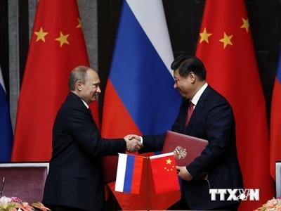 Trung-Nga ký kết 17 văn kiện hợp tác tại Điếu Ngư Đài