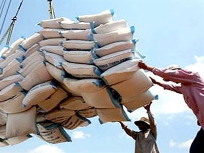 Đã xuất khẩu gần 5,46 triệu tấn gạo, giá xuất khẩu tăng 5%