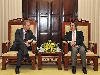 Thống đốc NHNN Nguyễn Văn Bình tiếp Phó Chủ tịch WB Axel Van Trotsenburg