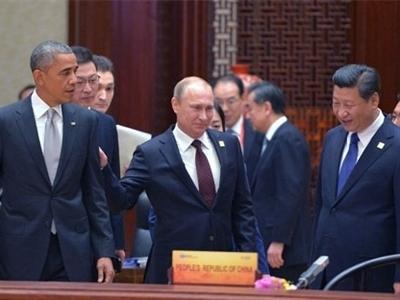 """Những tình huống """"khó đỡ"""" ở thượng đỉnh APEC 2014"""