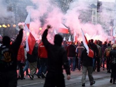 Thủ đô Ba Lan chìm trong bạo loạn