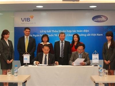 VIB ký thỏa thuận hợp tác toàn diện với Tổng công ty Đường sắt Việt Nam