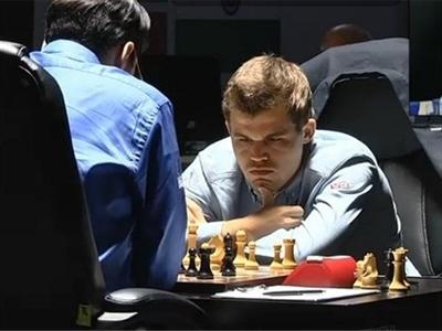 Carlsen và Anand với ván đấu dài nhất trong lịch sử chạm trán