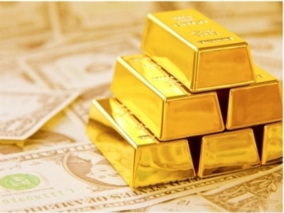 Giá vàng tuột khỏi mốc cao nhất 2 tuần khi USD tăng, Nhật Bản rơi vào suy thoái
