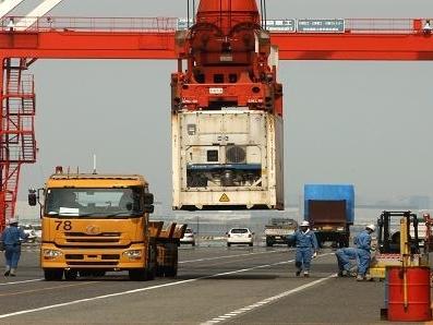 Xuất khẩu Nhật Bản tháng 10 tăng mạnh nhất 8 tháng