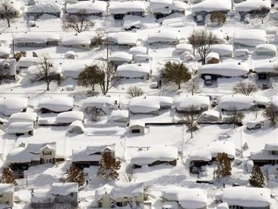 """Chùm ảnh nước Mỹ """"đóng băng"""" vì bão tuyết"""