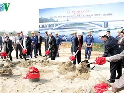 Khởi công cầu Bắc Luân II bắc qua biên giới Việt – Trung