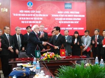 Thành lập Văn phòng Quốc gia Viện Nghiên cứu lúa quốc tế tại Việt Nam