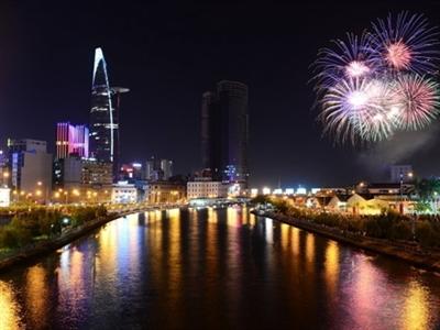 TP.HCM sẽ bắn pháo hoa đón năm 2015 trong 15 phút