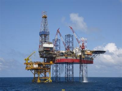 Khối ngoại bán ròng 346 tỷ đồng trên HSX tuần 24-28/11, tập trung vào các mã dầu khí