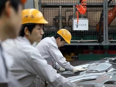 PMI sản xuất Trung Quốc xuống thấp nhất 8 tháng trong tháng 11